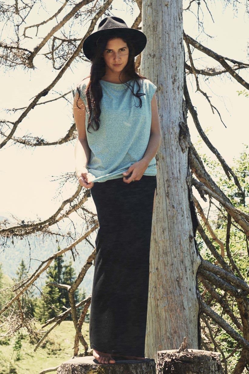 Long Skirt Female black by WOODYBUNCH
