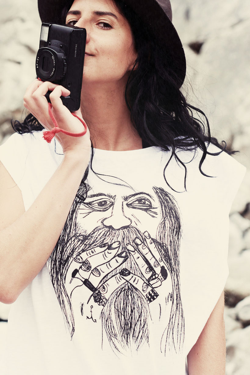 Surfers X Woodybunch Tee Female white by WOODYBUNCH