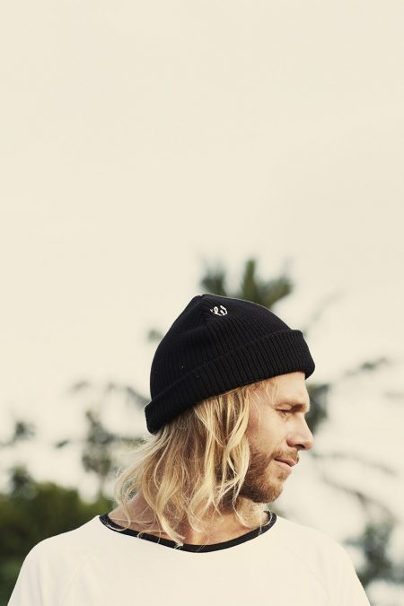 Knitted Beanie black von Woodybunch